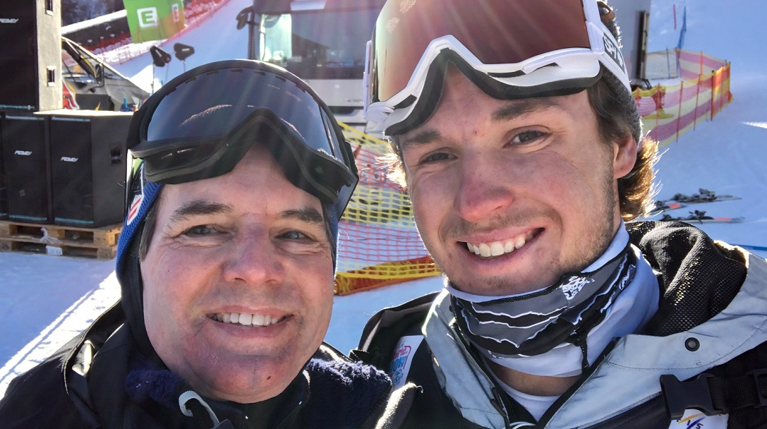 david-watt-volunteers-at-snowboarding-world-cup-event