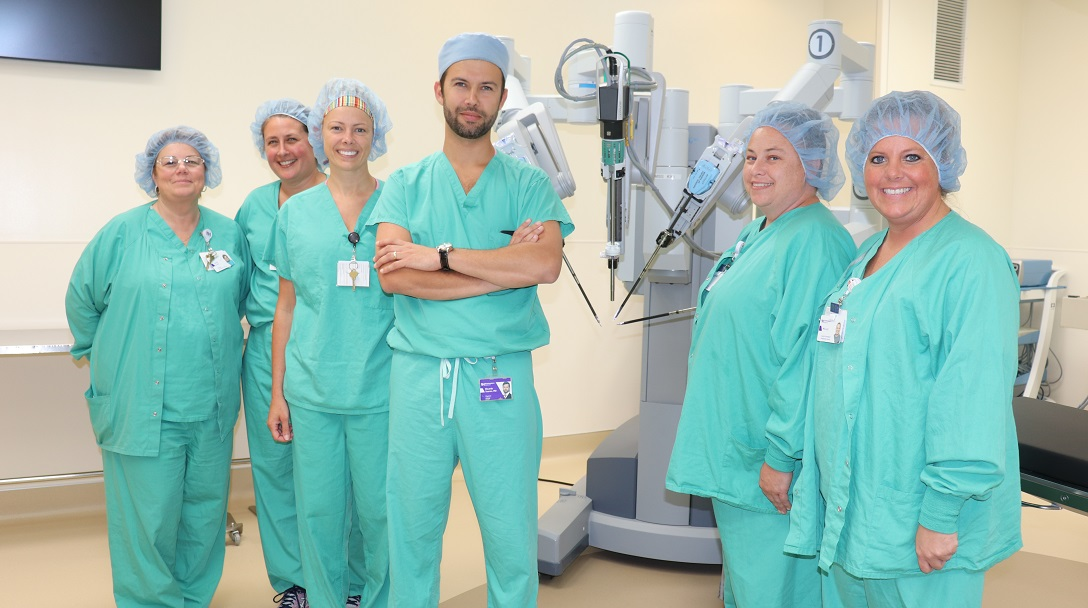 Kishwaukee Hospital da Vinci robotic surgery team