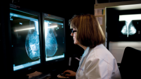 northwestern-medicine-physician-reviewing-breast-scan
