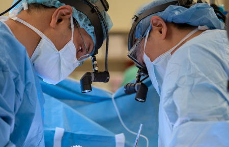 Northwestern Medicine thoracic surgeons performing a surgical procedure.