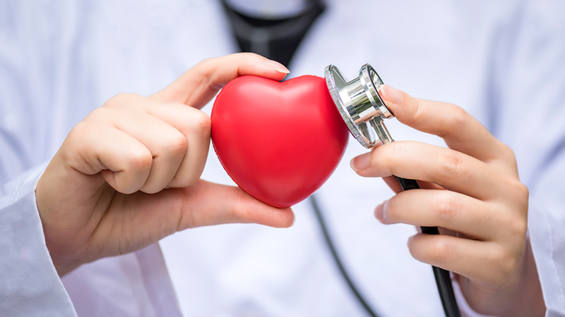 10 Signs That Show It's Time To See A Cardiologist
