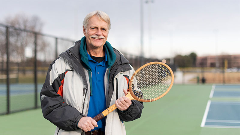 Larry Klos on the tennis court